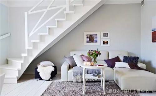 楼梯下面的空间