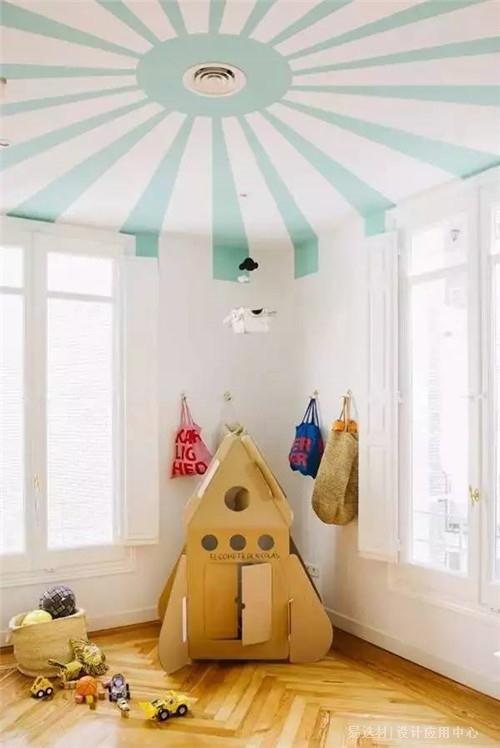 1,错层上下床   儿童房兼具孩子休息,玩耍,学习等多重功能,我们在