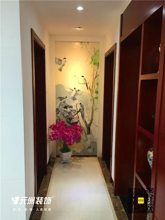 两个卧室之间走廊尽头的水彩画是业主亲手画的,乍一看还真有大师风范图片