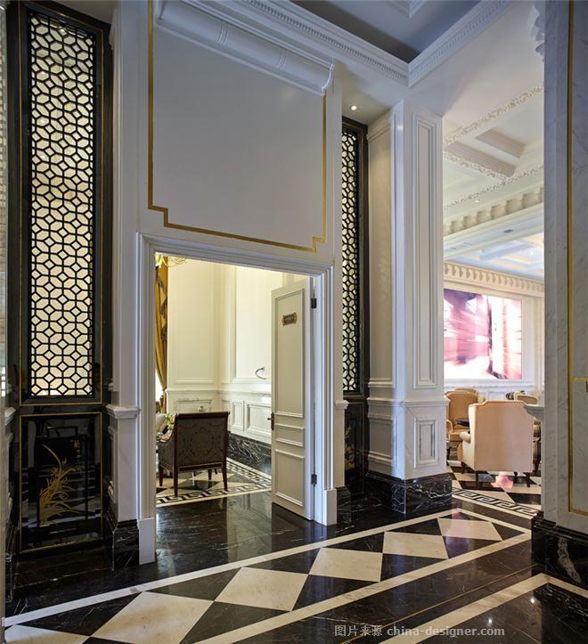 A、作品对城市需求与价值的独特挖掘角度: 以西式的躯体注入中式的精神,满足展厅功能、氛围需求为前提,树立展厅精品、奢华、层次为要意,让项目符合当下,落地于本土。 B、作品在环境风格上的设计创新点: 有几点新意在于:1法式的对称和中式的对仗;2法式的线条和中式的屏风与漆画。 C、作品在空间布局上的设计创新点: 流线清晰、尽量避免和减少服务人员与消费者不必要的折返和行走。 D、作品在设计选材上的设计创新点: 雅士白石材结合烤漆板和乳胶漆很大程度上节省了造价。 E、作品在投入运营后的出众效果与评价: 清爽、雅致