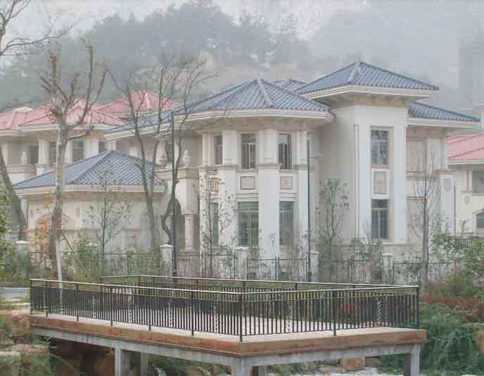 主要有半山独栋豪华别墅,独栋半岛别墅,联排别墅,环型公寓等.